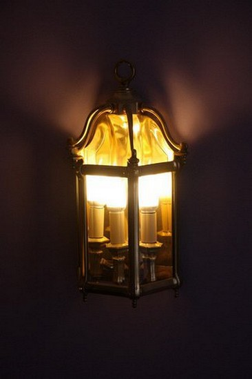Винтажные бра в форме фонарей