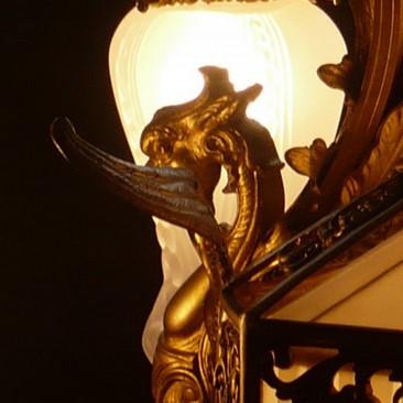 Большая антикварная люстра с абажуром