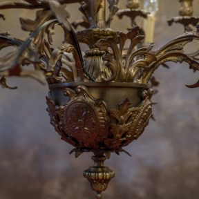 Старинная люстра из бронзы