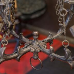 Винтажная люстра на цепях