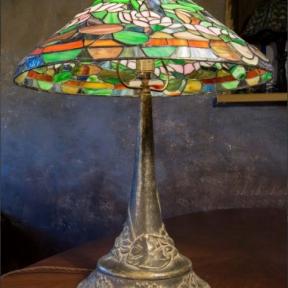 Большая антикварная лампа