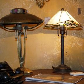 Старинные настольные лампы
