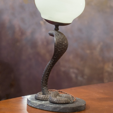 Настольная лампа в египетском стиле