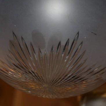 Антикварная люстра с плафонами