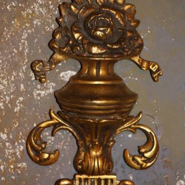 Пара стенников с зеркалами из бронзы