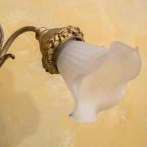 Позолоченное бра с грифонами