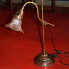 Старинная настольная бронзовая лампа