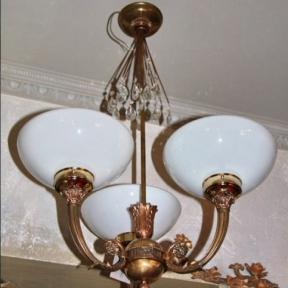 Старинный светильник с шаром